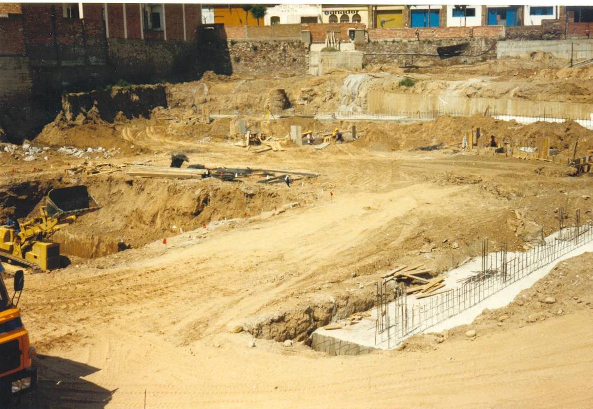 Construcció del nou Teatre de La Passió Olesa fonaments