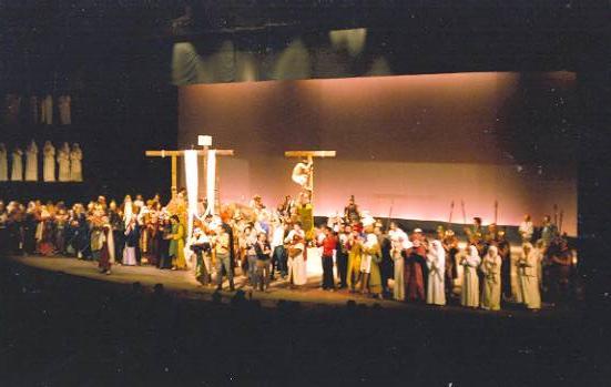 Primera representació al nou Teatre de La Passió Olesa